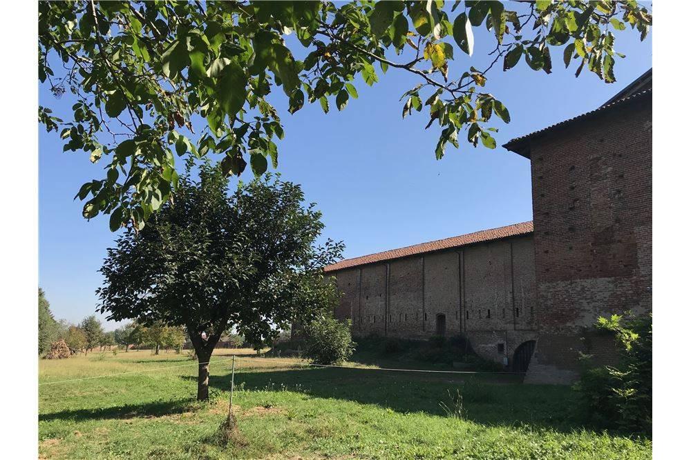 Rustico 6 locali in vendita a Chieri (TO)