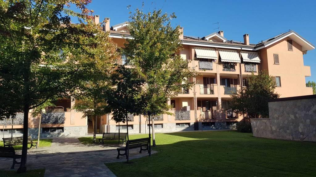 Appartamento in buone condizioni parzialmente arredato in vendita Rif. 8061584