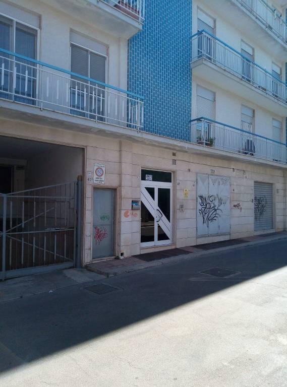 Appartamento in buone condizioni in vendita Rif. 8609571