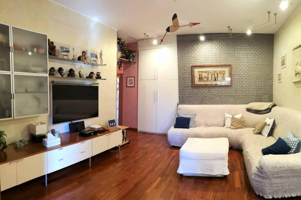 Appartamento in buone condizioni in vendita Rif. 7362434