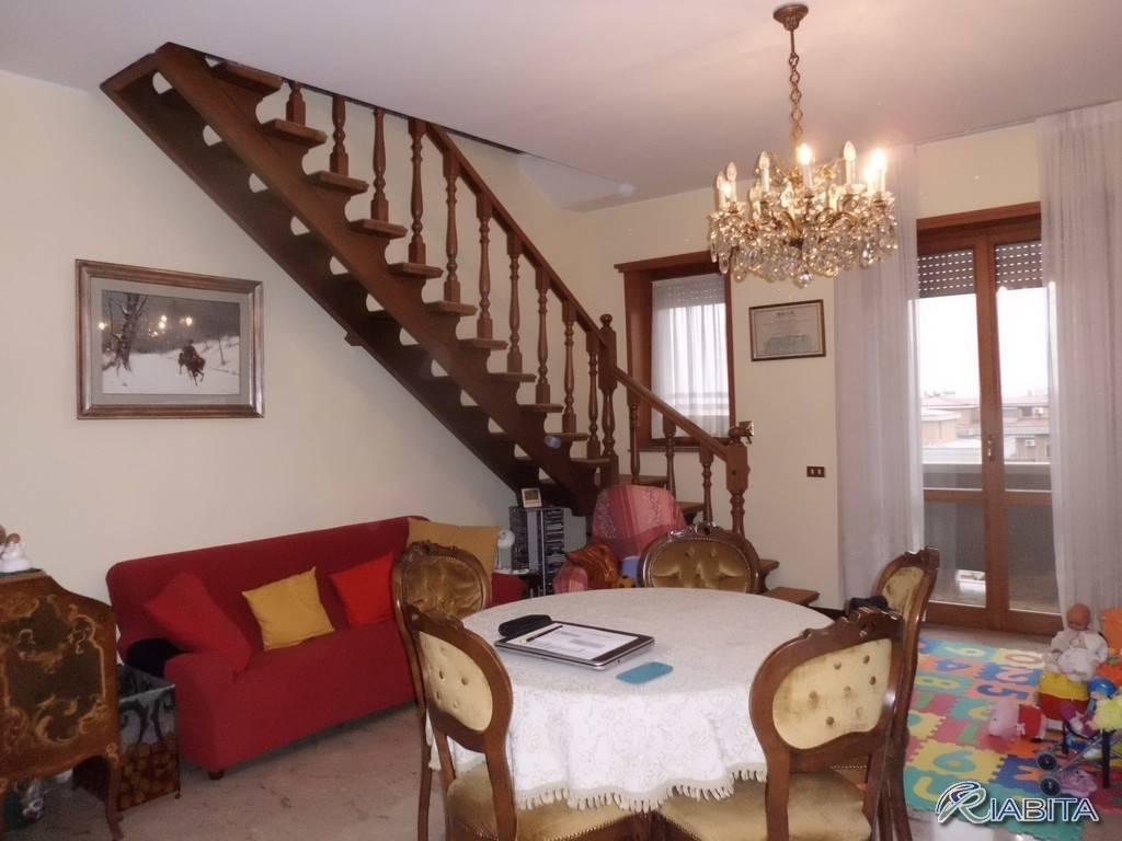 Appartamento in Affitto a Piacenza Periferia Sud: 3 locali, 102 mq