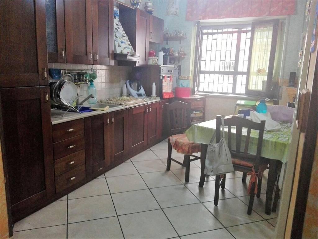 Appartamento in buone condizioni in affitto Rif. 8066667