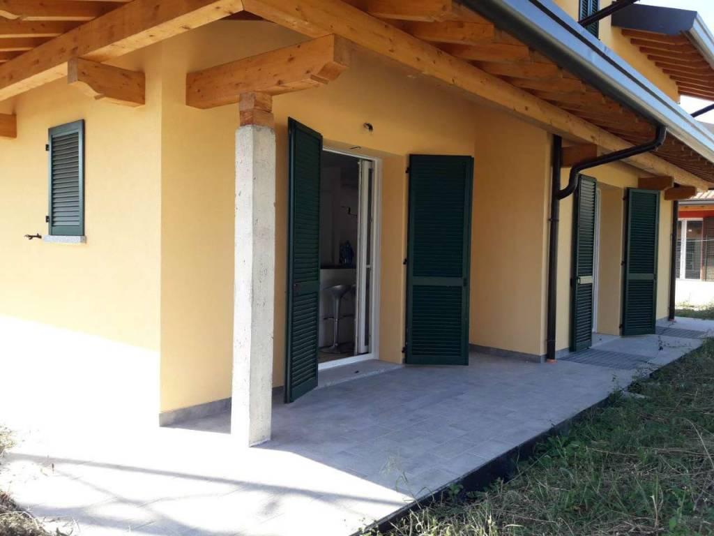 Villa in vendita a Lurate Caccivio, 5 locali, prezzo € 465.000 | PortaleAgenzieImmobiliari.it