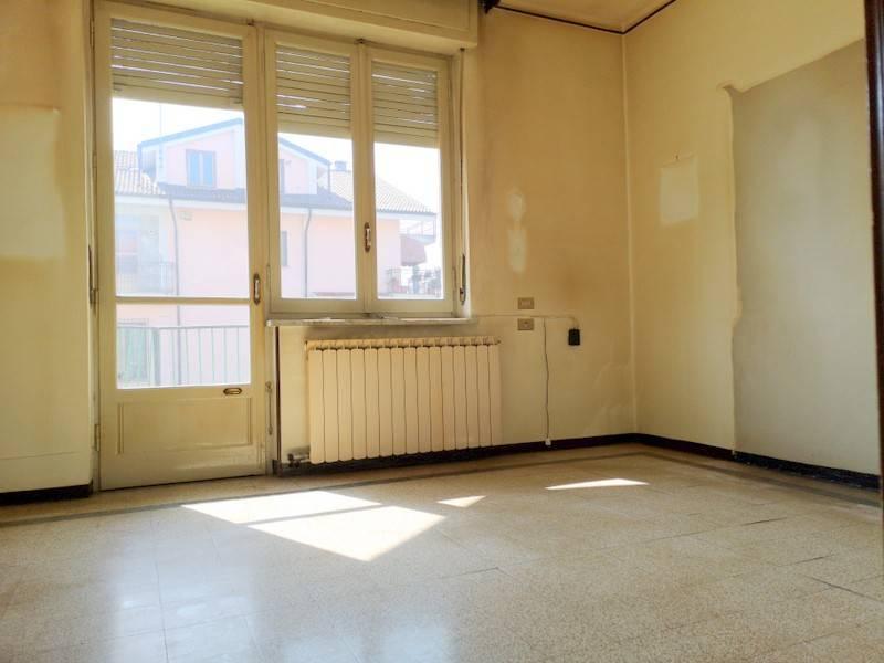 Appartamento in buone condizioni in vendita Rif. 8063880
