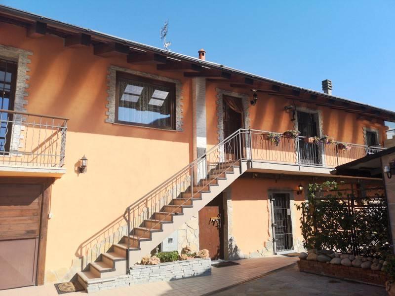 Villa in ottime condizioni parzialmente arredato in vendita Rif. 8063881