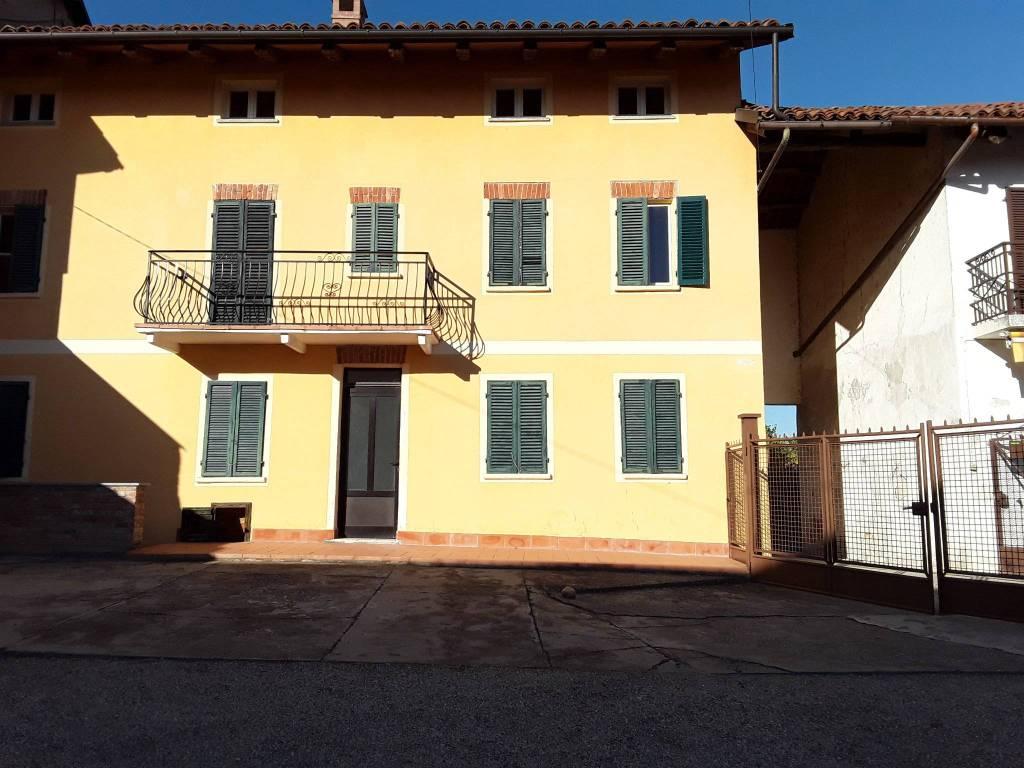 Rustico / Casale in vendita a Govone, 5 locali, prezzo € 80.000 | PortaleAgenzieImmobiliari.it