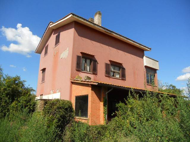 Rustico / Casale da ristrutturare in vendita Rif. 9193877