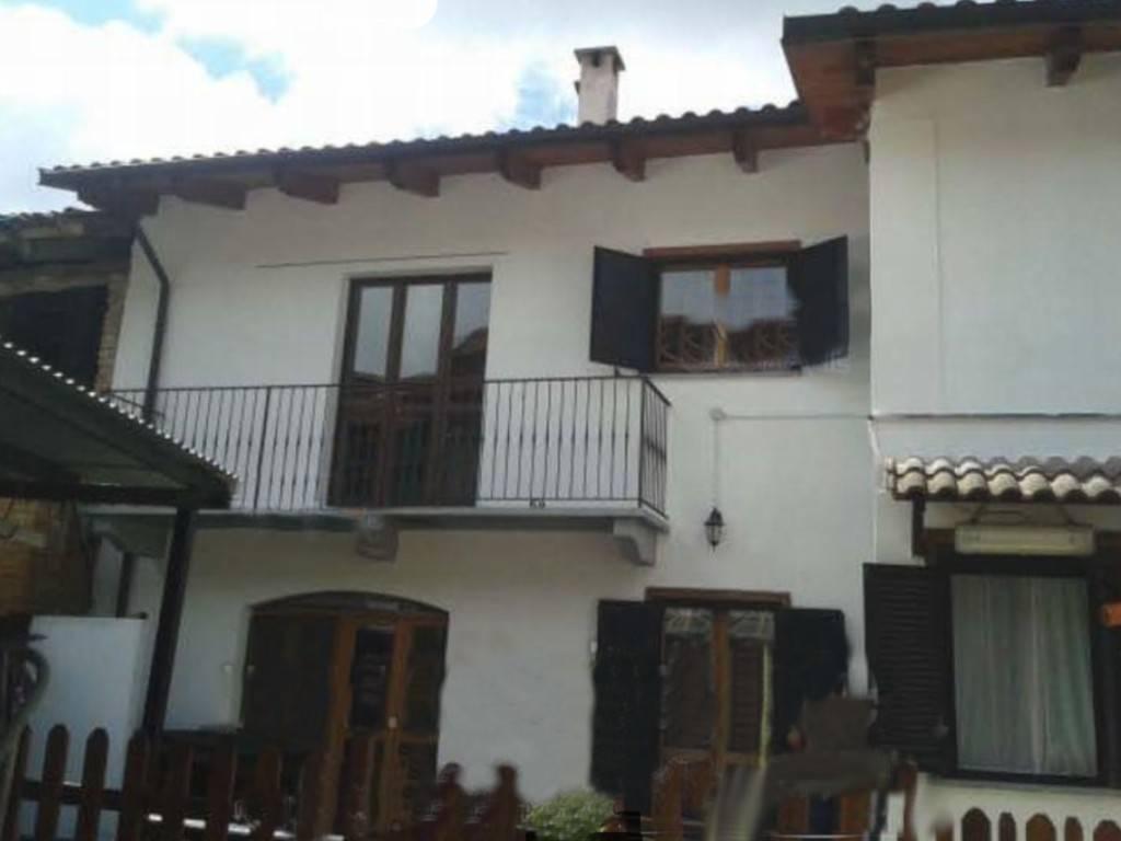 Casa Indipendente in buone condizioni in vendita Rif. 8082824