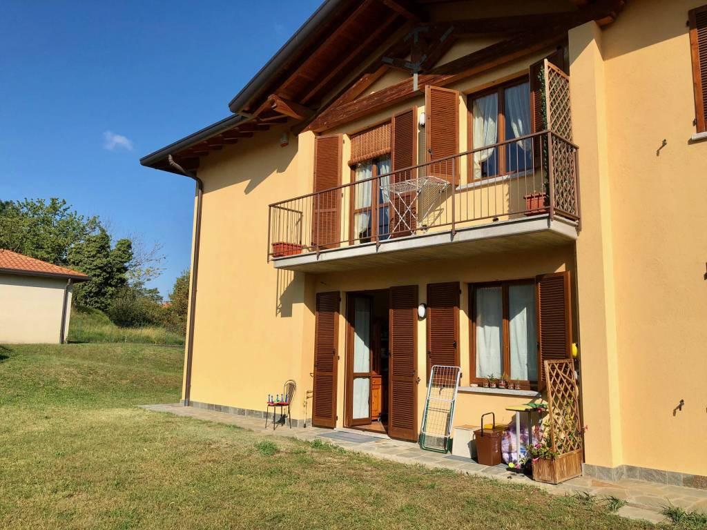 Appartamento in vendita a Monguzzo, 3 locali, prezzo € 179.000 | CambioCasa.it