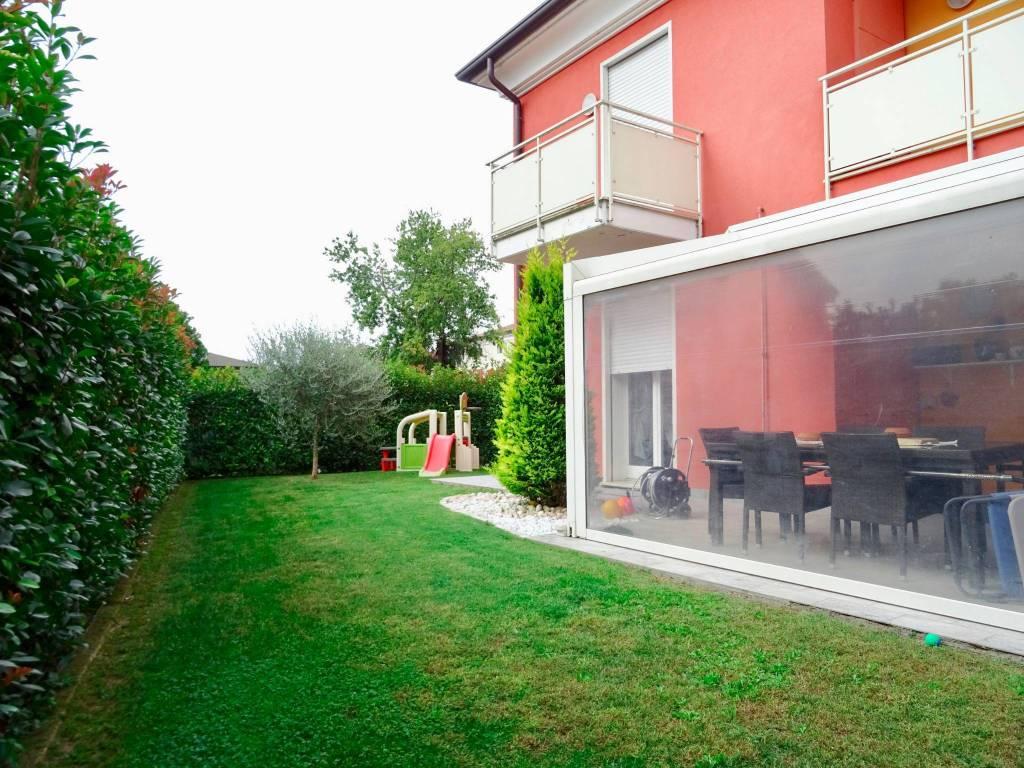 Appartamento in ottime condizioni in vendita Rif. 8158461