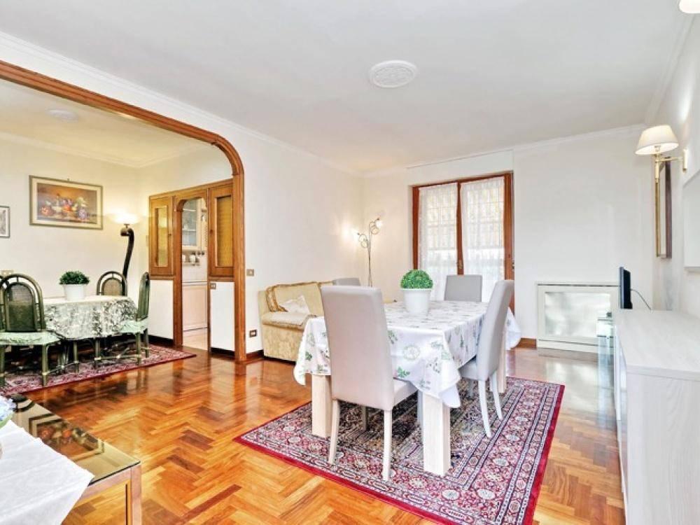 Appartamento in ottime condizioni parzialmente arredato in vendita Rif. 8062684