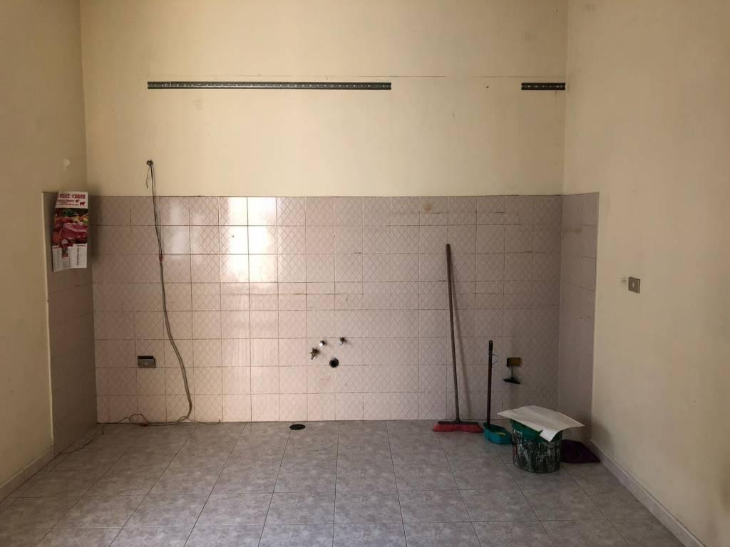 Appartamento in buone condizioni in affitto Rif. 8066669