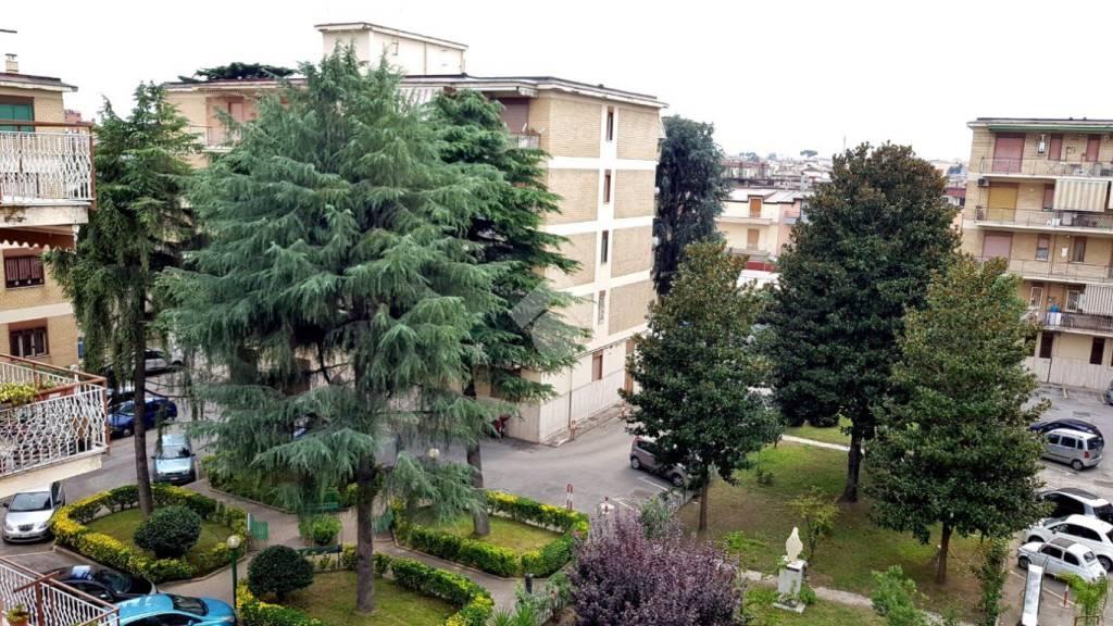 Appartamento in buone condizioni in vendita Rif. 9225780