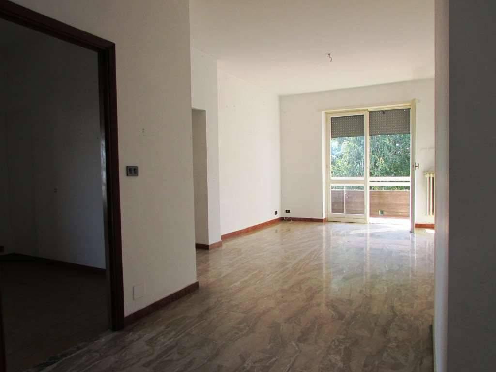 Appartamento in buone condizioni in vendita Rif. 8803145