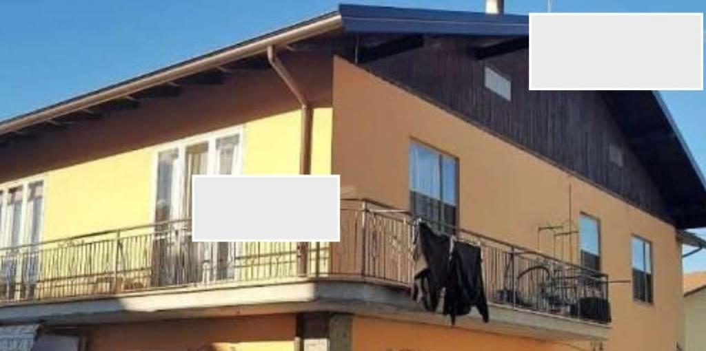 Appartamento in buone condizioni in vendita Rif. 8762357
