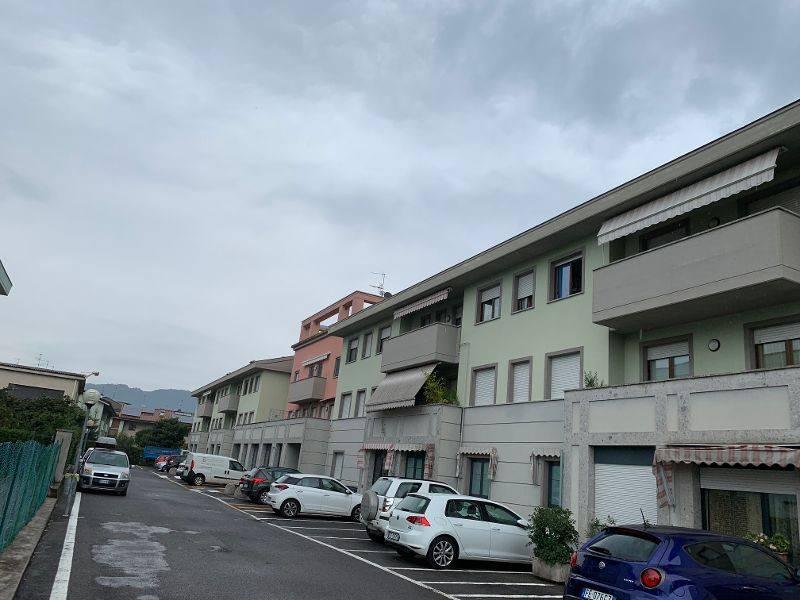 Appartamento in buone condizioni arredato in affitto Rif. 7794100