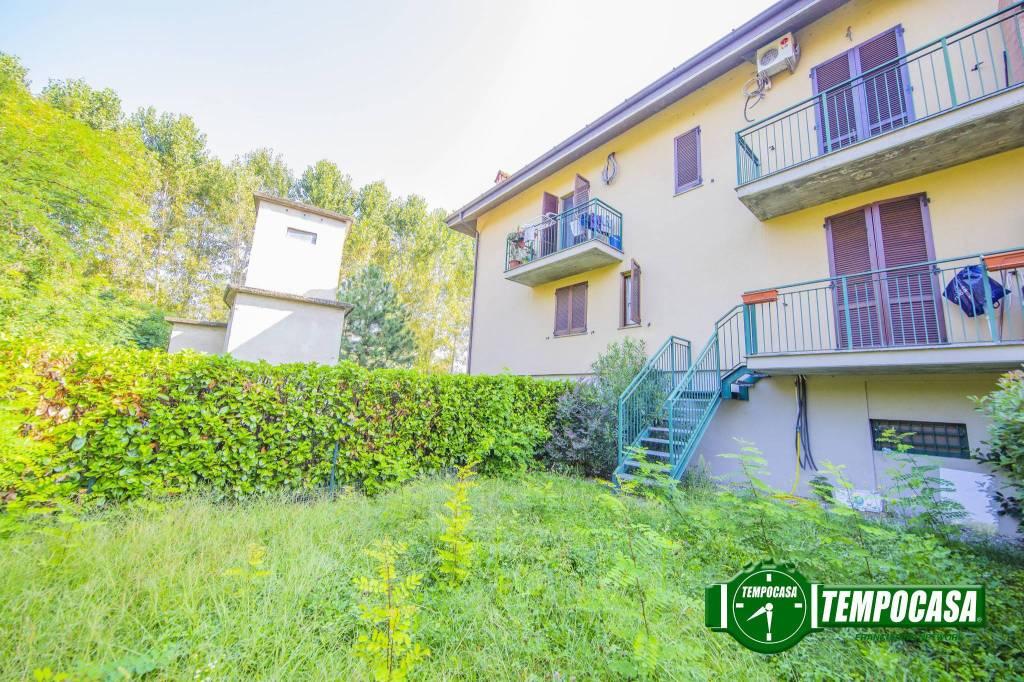 Appartamento in buone condizioni in vendita Rif. 8078894