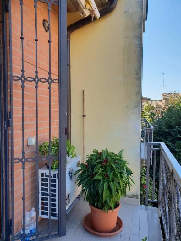 Appartamento in buone condizioni in vendita Rif. 8064110