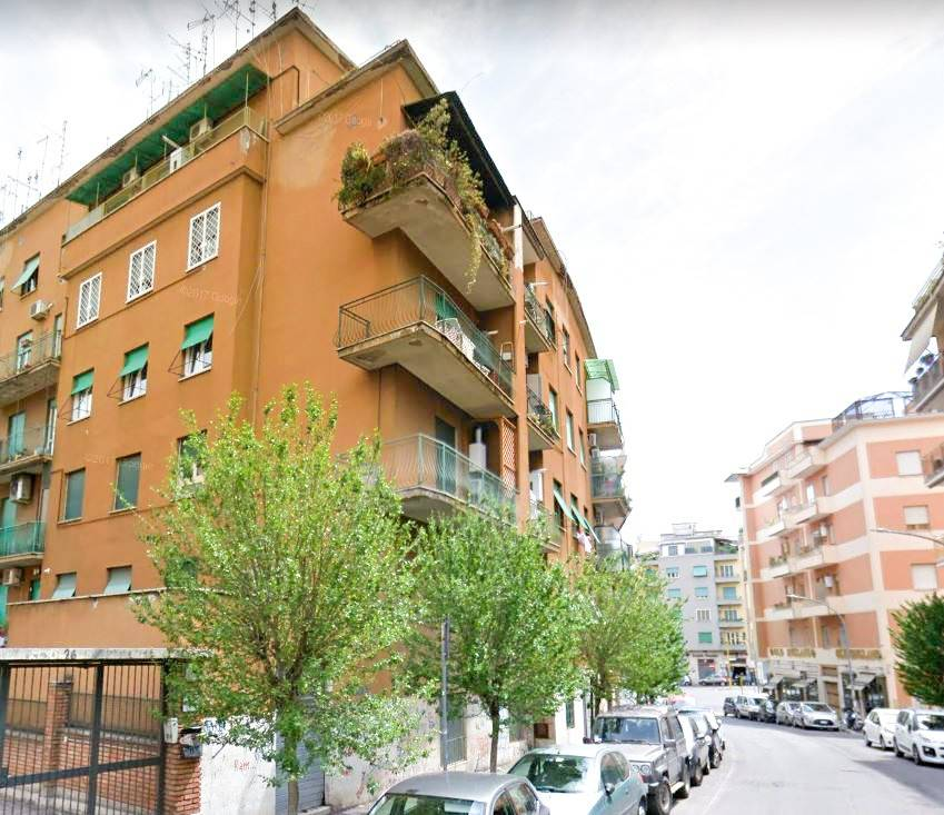 Appartamento in ottime condizioni arredato in affitto Rif. 7379352
