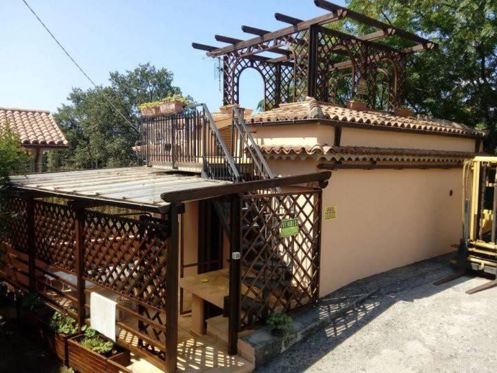 Villa in ottime condizioni arredato in vendita Rif. 8084438