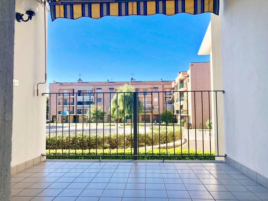 Appartamento in ottime condizioni in affitto Rif. 8088205
