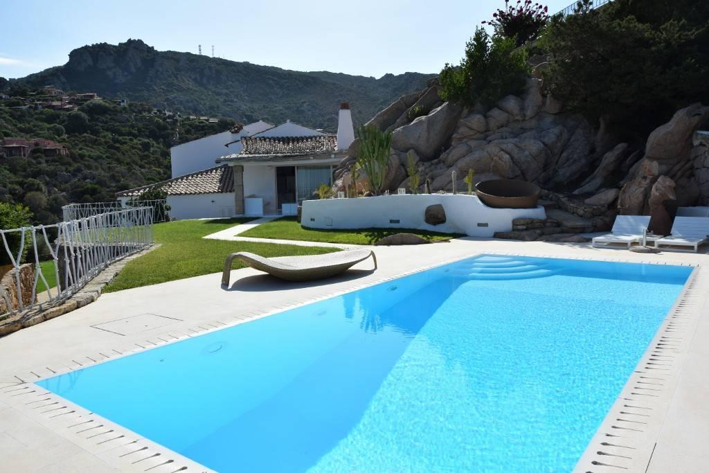 Villa 5 locali in vendita a Arzachena (OT)