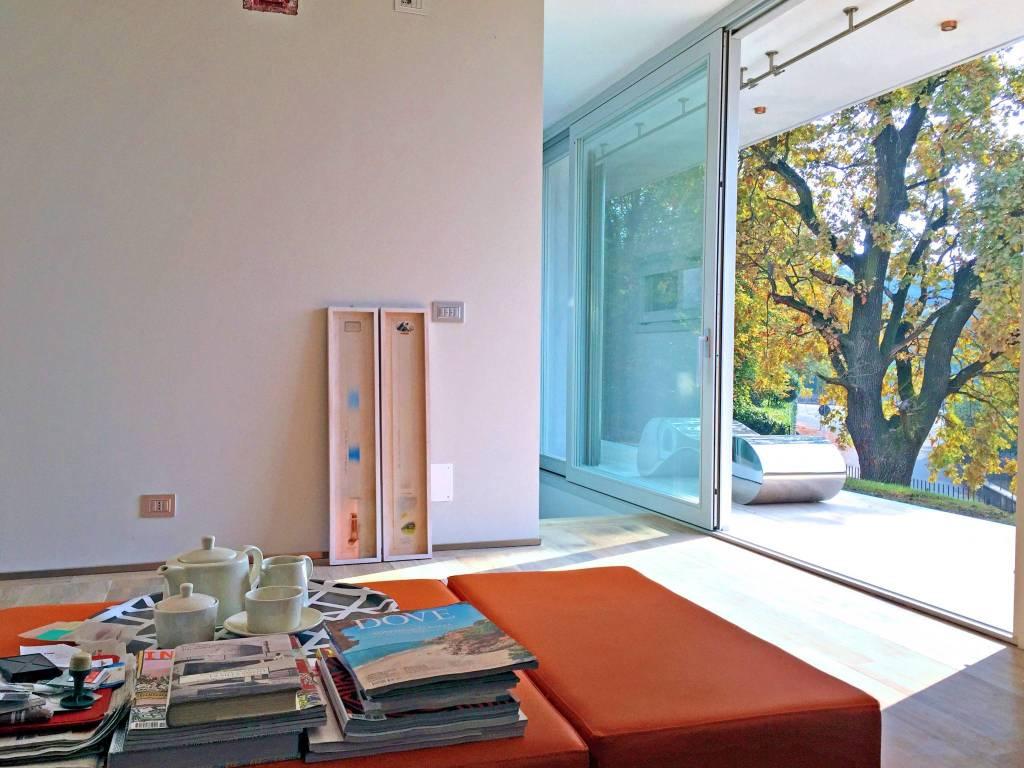 Foto 1 di Villa via Moncalvo, Torino (zona Precollina, Collina)