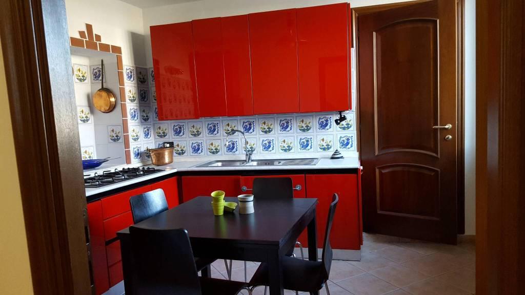 Appartamento in ottime condizioni parzialmente arredato in affitto Rif. 8089410