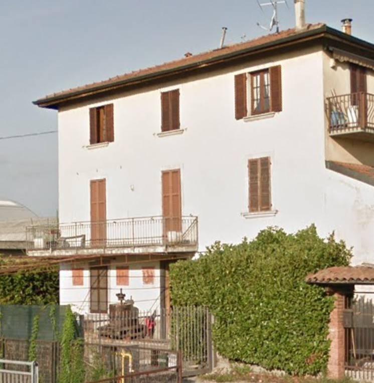Appartamento in buone condizioni in vendita Rif. 8084621
