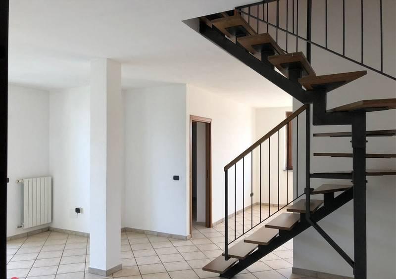Appartamento in ottime condizioni in vendita Rif. 8317616