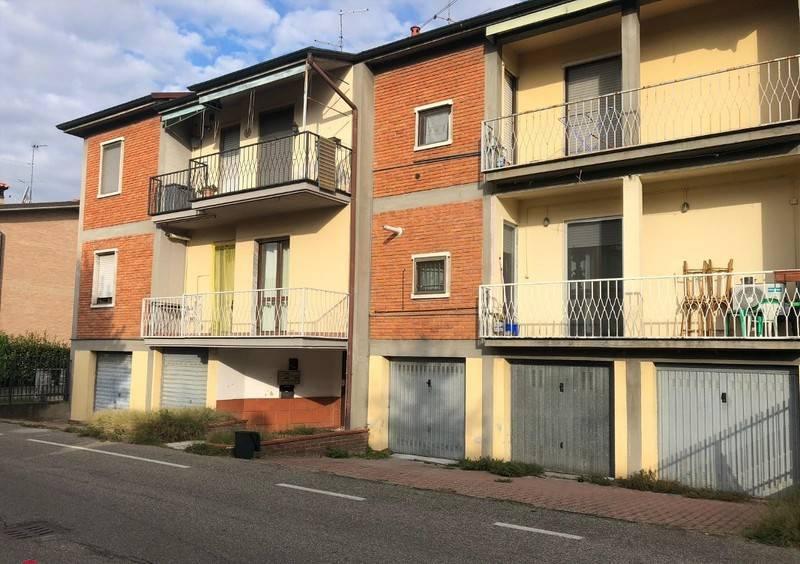 Appartamento in buone condizioni parzialmente arredato in vendita Rif. 8524785