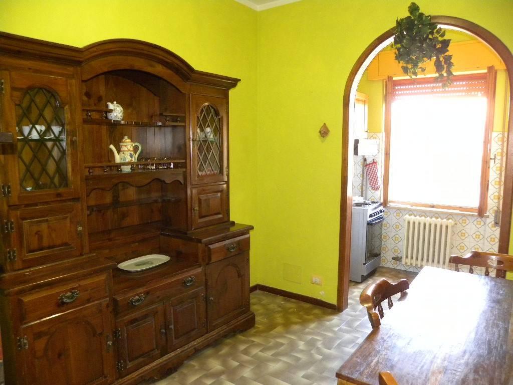 Appartamento in buone condizioni in vendita Rif. 8078624