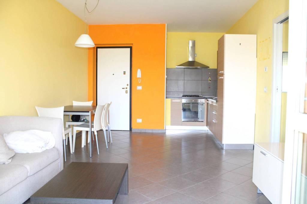 Appartamento arredato in affitto Rif. 8085266