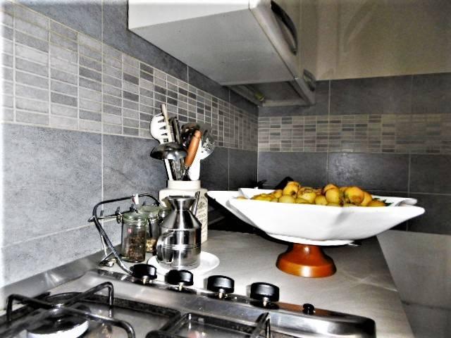 Appartamento in vendita 4 vani 120 mq.  via Luigi Soderini 27 Milano
