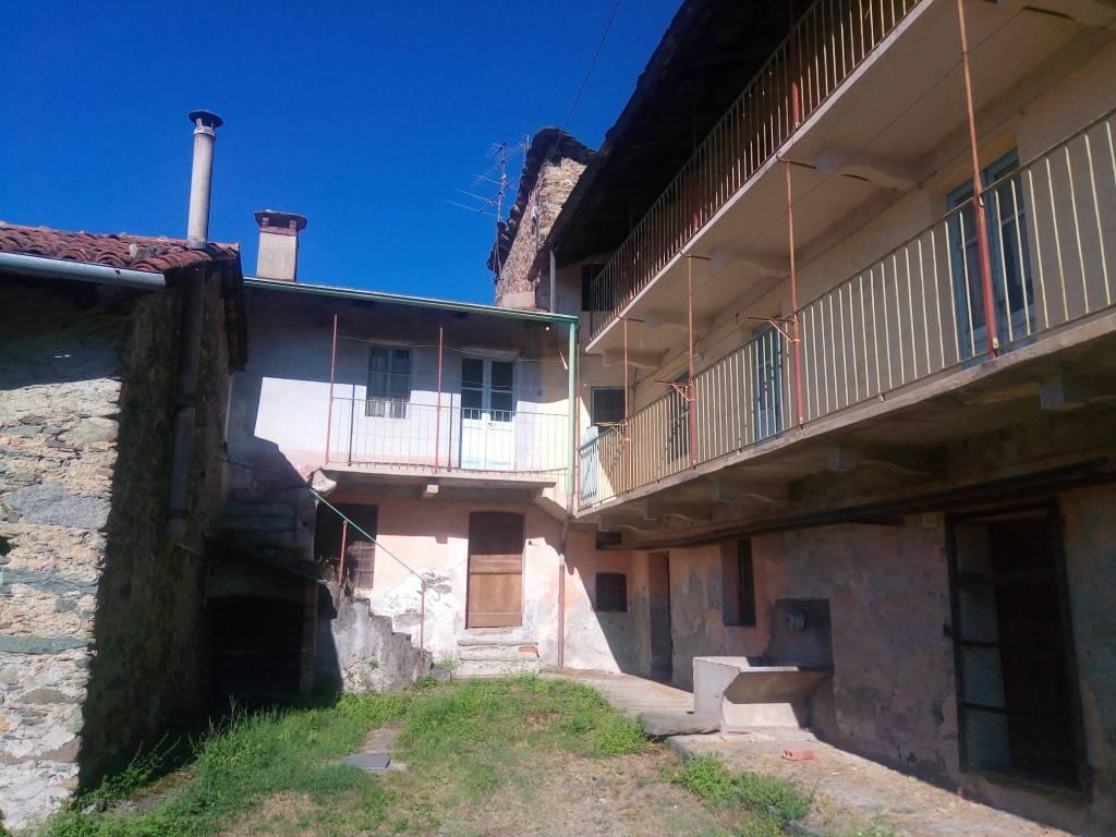 Rustico / Casale da ristrutturare in vendita Rif. 8090353