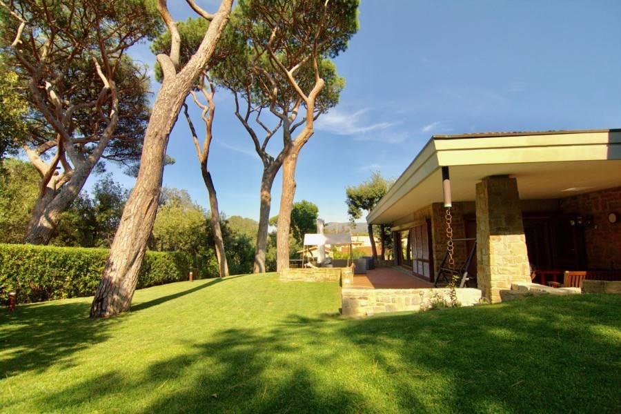 Villa in ottime condizioni parzialmente arredato in vendita Rif. 8079908