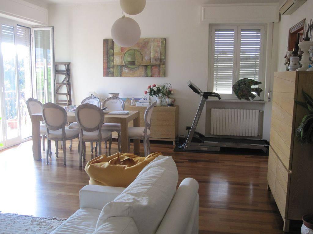 Appartamento in affitto a Diano Marina, 6 locali, prezzo € 1.300 | CambioCasa.it