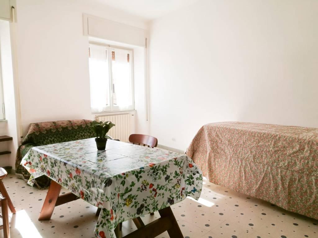 Appartamento in buone condizioni arredato in affitto Rif. 8551675