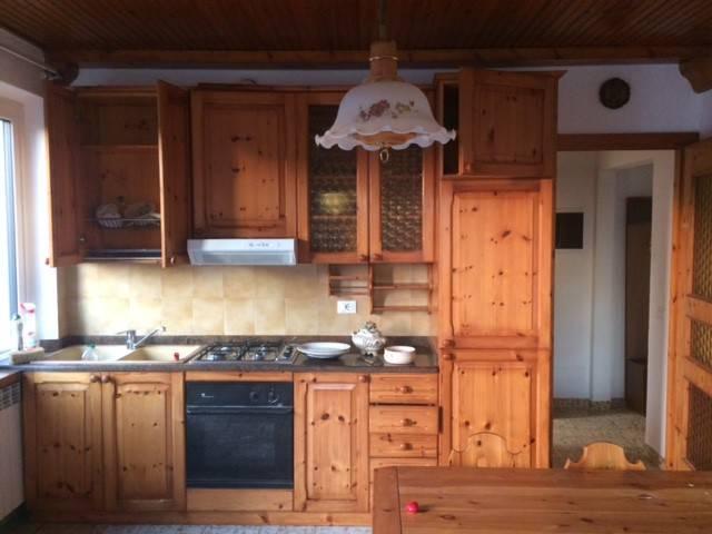Appartamento in buone condizioni arredato in affitto Rif. 8081038