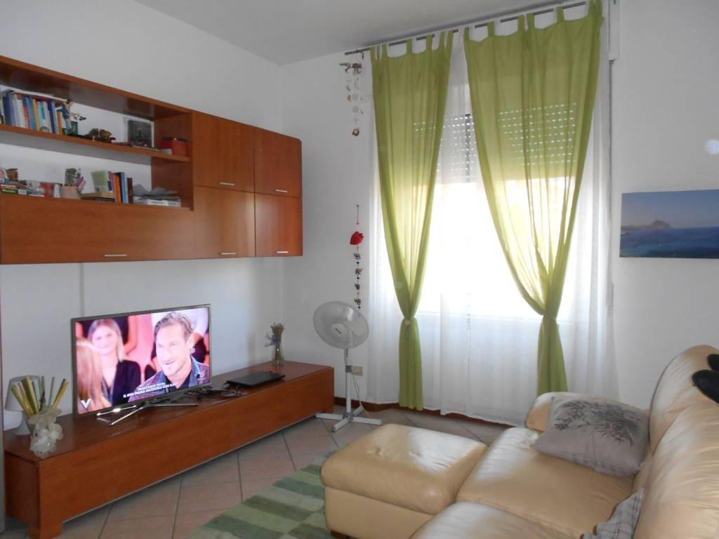 Appartamento in ottime condizioni arredato in affitto Rif. 8082837