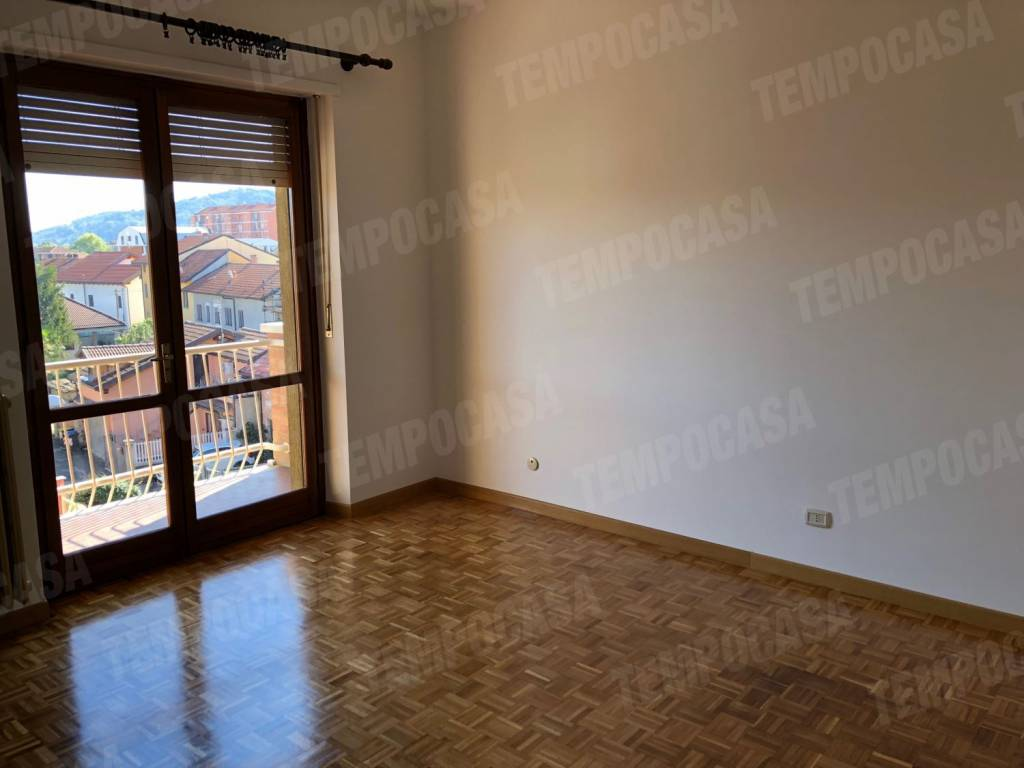 Appartamento in buone condizioni arredato in affitto Rif. 8313970