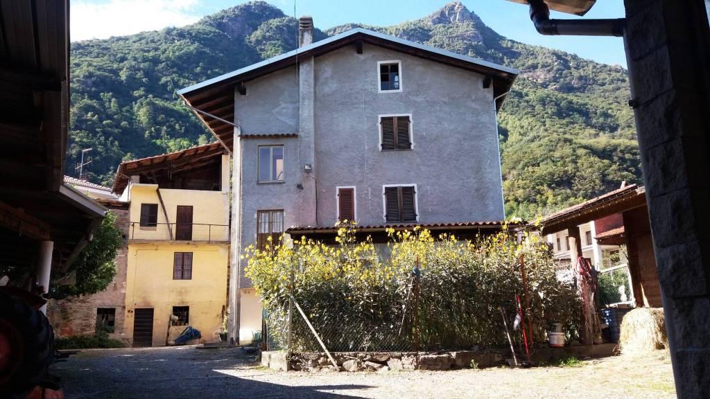 Casa Indipendente in buone condizioni in vendita Rif. 8080115