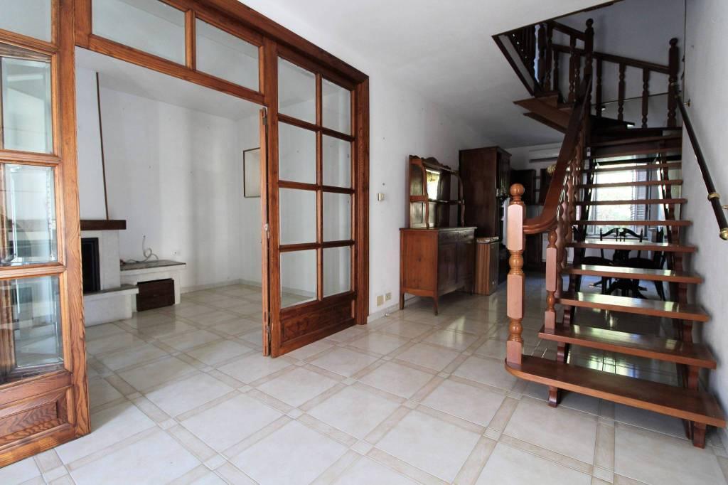 Casa indipendente con ampi spazi esterni