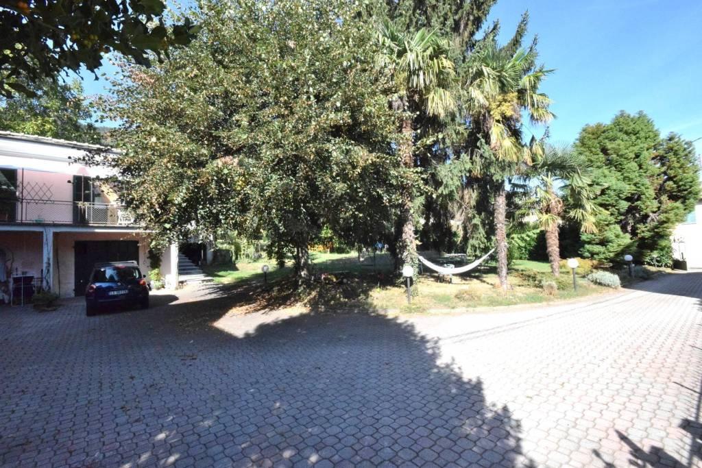 Appartamento parzialmente arredato in affitto Rif. 8085268
