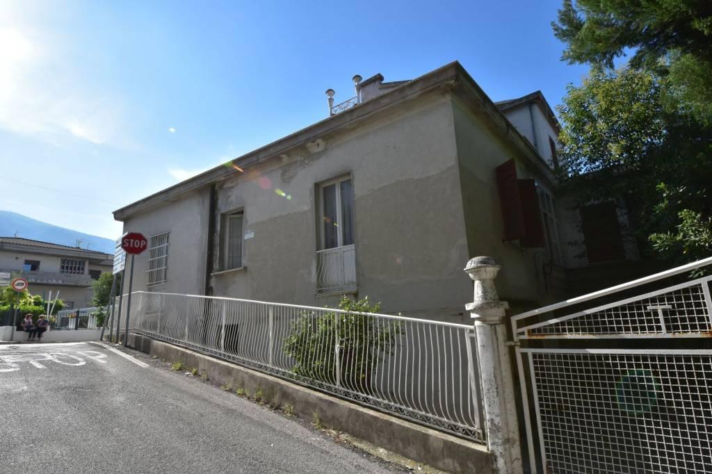 Casa Indipendente in buone condizioni in vendita Rif. 8078968