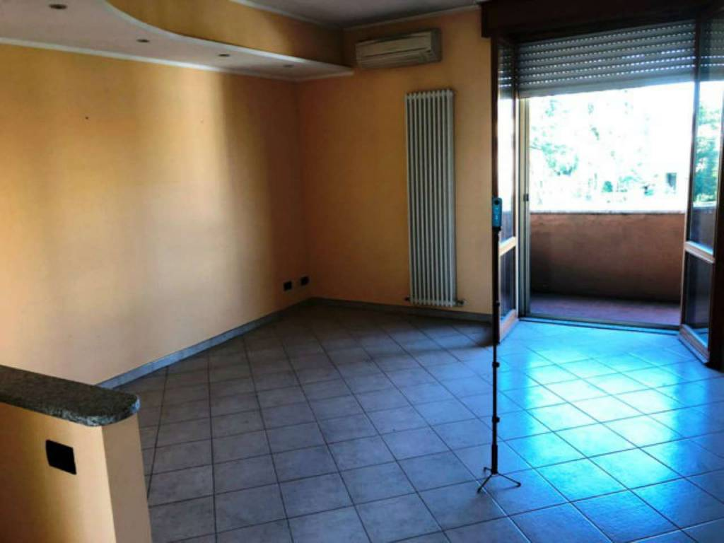 Appartamento in vendita a Lonate Pozzolo, 3 locali, prezzo € 115.000 | CambioCasa.it