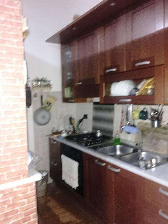 Appartamento in vendita 3 vani 117 mq.  via Giuseppe Cotronei 17 Napoli