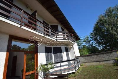 Appartamento in ottime condizioni in vendita Rif. 8081068