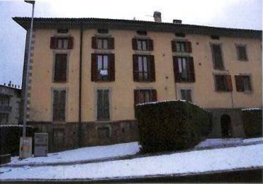 Appartamento in buone condizioni in vendita Rif. 8087860