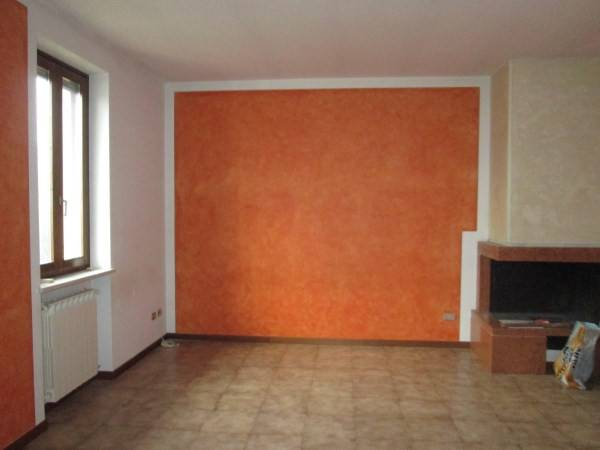 Appartamento in buone condizioni in affitto Rif. 8240470